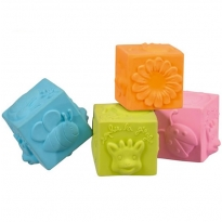 Sophie the Giraffe Cubes